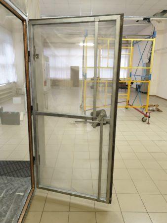 Экранированная дверь